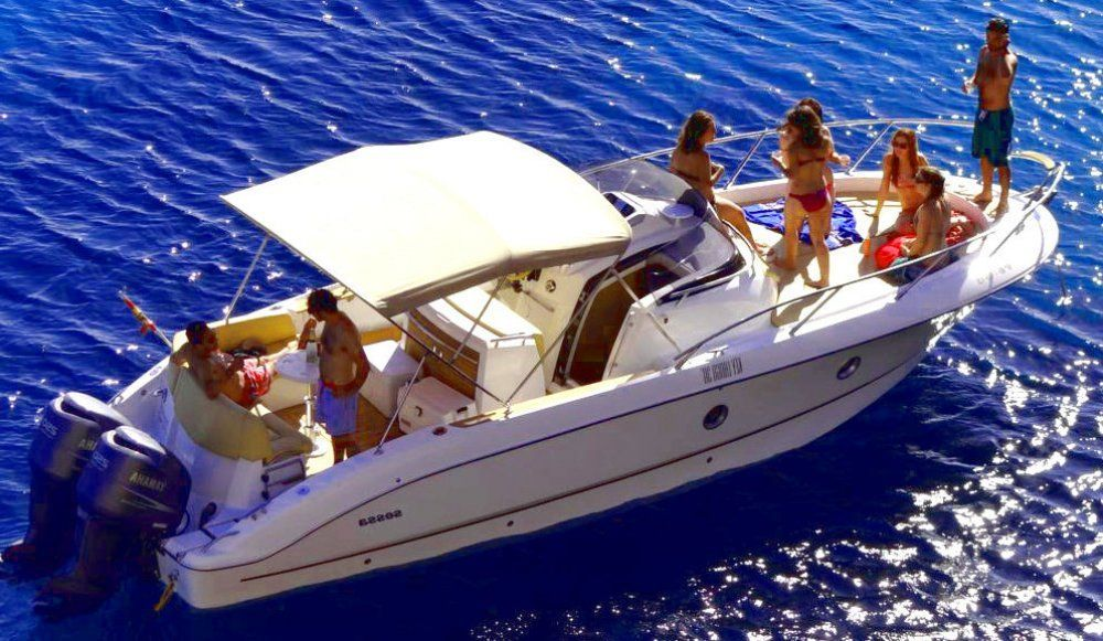 charter boat sessa key largo 30 day charter in ibiza crewed and. Black Bedroom Furniture Sets. Home Design Ideas