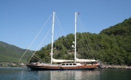 Kaya guneri v charter gulet in turkey
