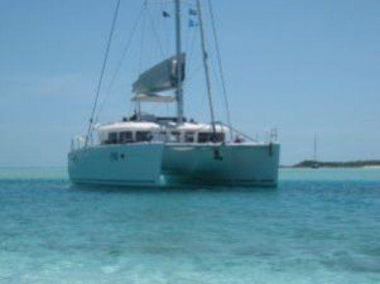 Charter catamaran lagoon 450 4 cabins 1 nassau for By the cabin catamaran charters