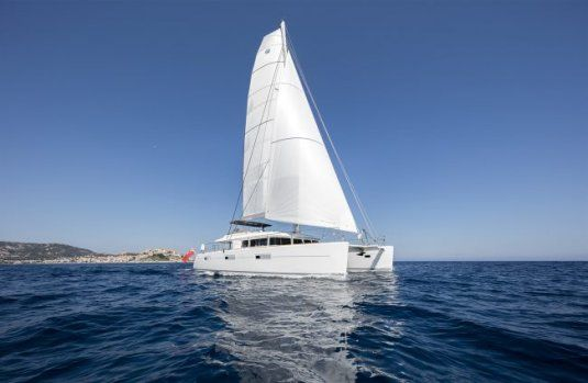 Charter catamaran twin lagoon 62 4 cabins tortola south of france