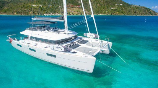 Le reve l620 essence catamarans for charter in the bvi